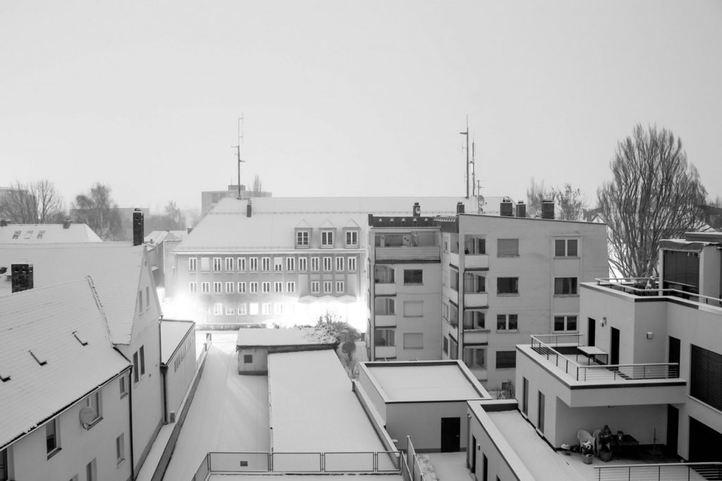 Winterdienst Potsdam: Schnelle Hilfe bei Wintereinbruch mit Schneefall und Glatteis. Übernahme der Streupflicht und Gehwegreinigung